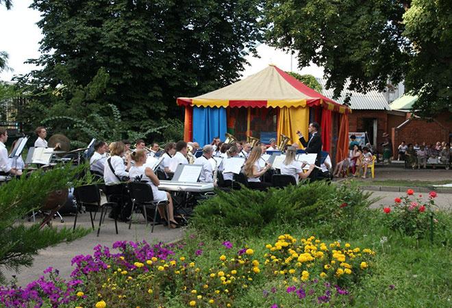 Оркестр «Волга-Бэнд» отыграет в Липках три бесплатных концерта
