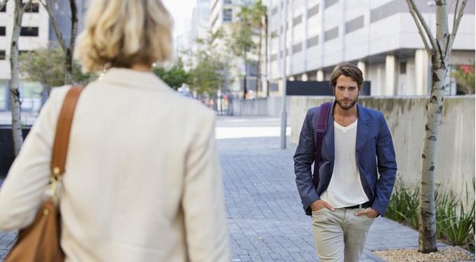 Можно ли считать флирт изменой? Мнения мужчин