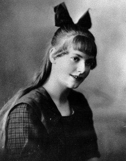 Грета Гарбо в тринадцатилетнем возрасте