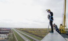Полет над городом. В Магнитогорске прошел Фестиваль прыжков с крыши
