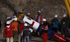 Из обрушившейся шахты в Чили спасен первый горняк