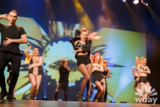 Юлиана Бухольц из Танцев на ТНТ