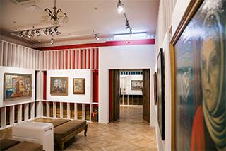 Выставка «Окна в Россию. Шедевры семи поколений» открылась во Владивостоке