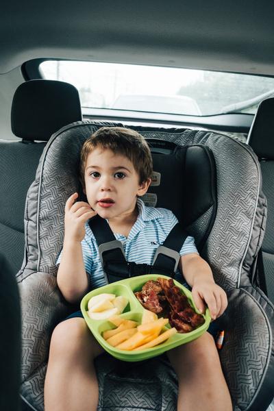Чем кормить ребенка в дороге