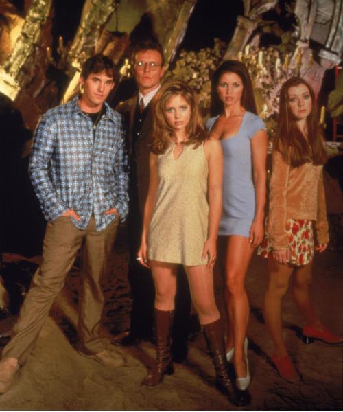 Николас (первый слева) в сериале «Баффи – истребительница вампиров»