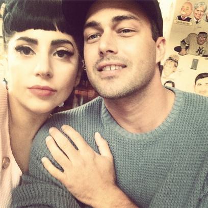 Леди Гага тайно вышла замуж