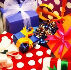 Лучший мой подарочек: что подарить невесте на свадьбу