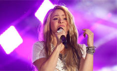 Шакиру признали виновной в краже песни
