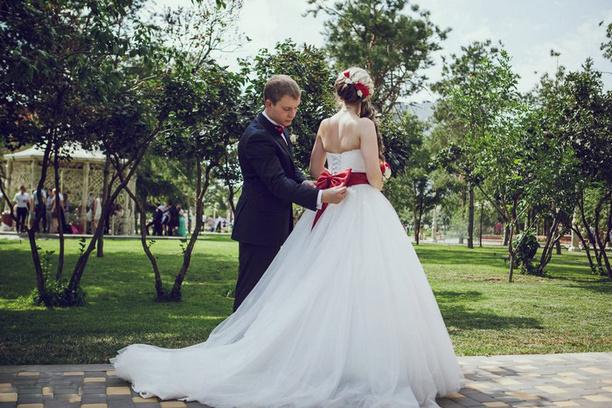 Веселая свадьба, молодожены, организация свадеб