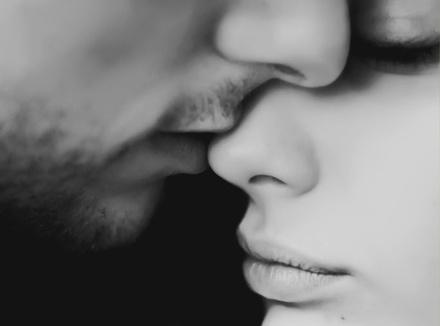 10 способов освежить чувства в паре