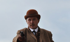 Игорь Петренко в образе Шерлока Холмса