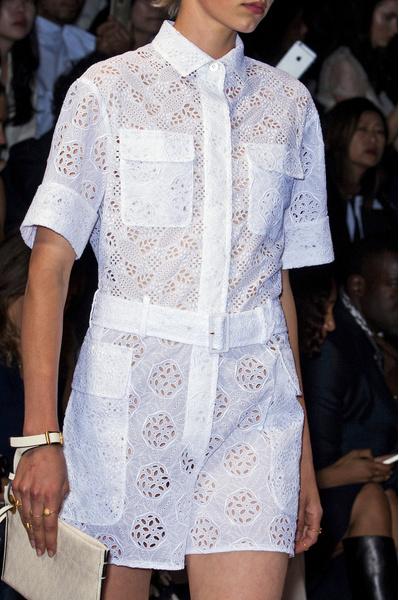 модное платье крючком связать