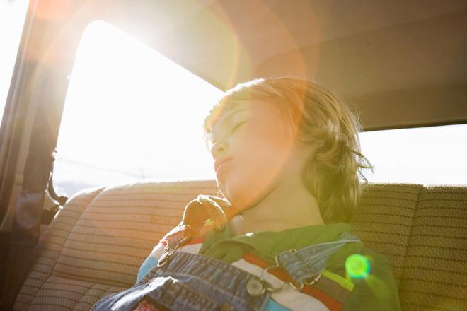 мальчик придумал, как спасти детей, запертых в машине