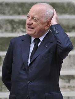 Пьер Берже на похоронах Ив Сен Лорана в 2008 году