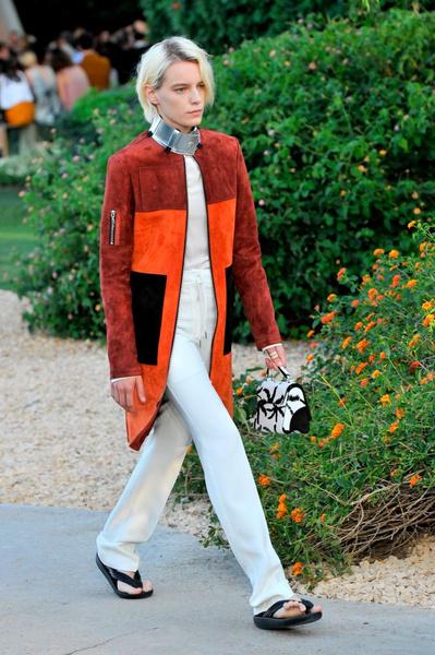 Показ круизной коллекции Louis Vuitton в Палм-Спринг   галерея [1] фото [27]