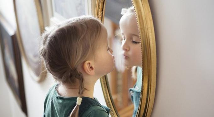 Как научить ребенка не стыдиться своего тела?