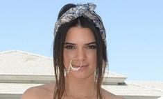 Сестра Ким Кардашьян вставила в нос огромную серьгу
