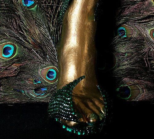Туфли из перьев павлина