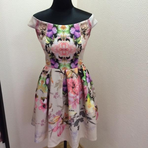 Платье, 5000 руб.