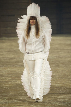 Показ Chanel Metiers d'Art 2013
