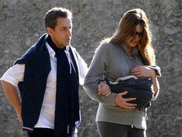 Фотографам не удалось запечатлеть лицо новорожденной дочери Карлы Бруни (Carla Bruni)