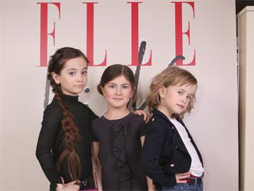 На подиум Недели детской моды поднялись юные модели.