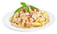 Ужин по-итальянски: фетучини с креветками в сливочном соусе