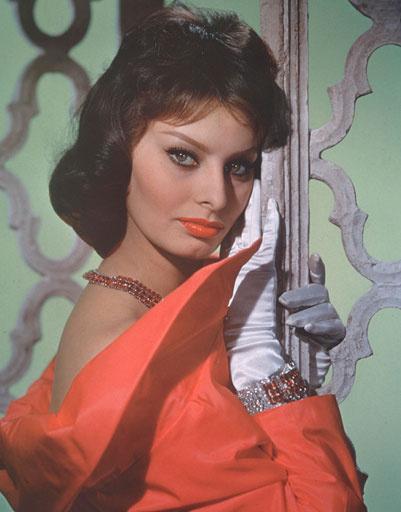 Софи Лорен (Sophia Loren) критически относится к своей внешности