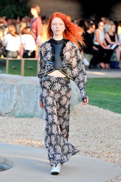 Показ круизной коллекции Louis Vuitton в Палм-Спринг   галерея [1] фото [32]
