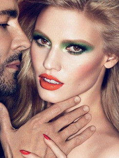 Снимок рекламной кампании косметической линии осень-зима 2011 - 2012
