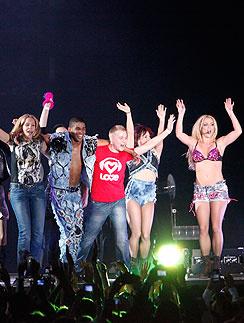 Победители конкурса на лучший танец с Бритни Спирс (Britney Spears)