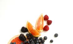 Худеем с удовольствием: меню фруктовой диеты – рай для любителей сладкого