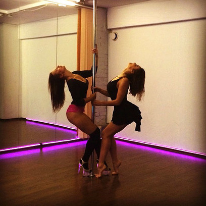 Видео танцы стриптизёр до гала