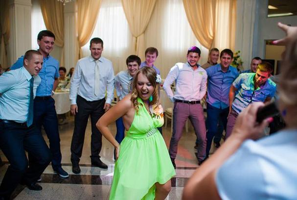 Свадебные ведущие, организация свадеб
