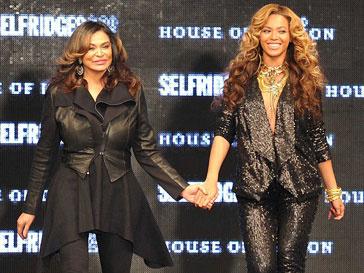 Бейонсе (Beyonce) представила в рамках Недели моды в Лондоне новую коллекцию бренда House of Dereon