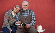 Бабушка всегда гладила одежду деду, хотя он был фермером