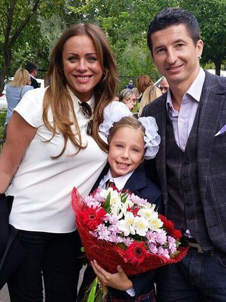 Юлия Началова с семьей фото