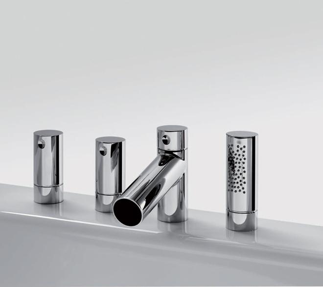 Смеситель для ванны с отдельными рукоятками холодной и горячей воды. Модель 8650, серия IL Bagno Alessi Dot (Oras), от 32 000 руб.