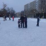Зима хорошая пора кататься любит детвора!