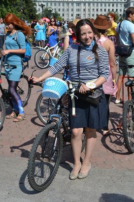 Иркутск. Велоледи на велосипеде