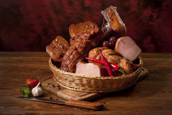 Как приготовить свиную тушенку: видео рецепт
