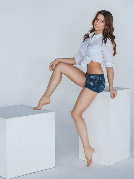 Галерея длинноногих красивых девушек фото 28-160