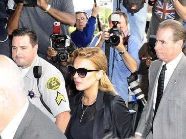 Линдсей Лохан (Lindsay Lohan) всегда в центре скандала