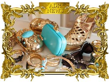 В коллекцию Анны Делло Руcсо для H&M вошли туфли, сумки, солнечные очки и украшения.