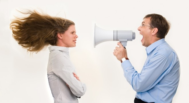 Если босс орет, то стоит внимательно прислушаться к его децибелам. Возможно, он восклицает что-то дельное, и вам стоило бы более качественно выполнять свою работу.