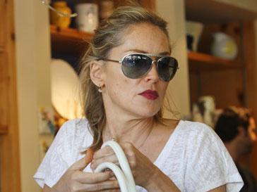 Шэрон Стоун (Sharon Stone) обязали заплатить рабочему