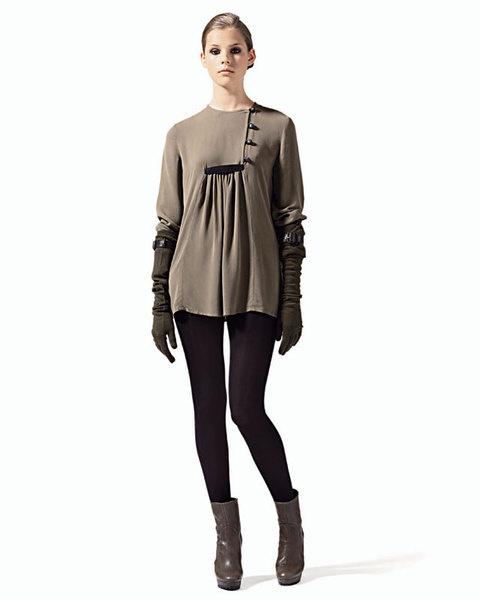 Мини-платье из вискозы с драпировкой, We Are Replay;колготы, Pompea;длинные перчатки из шерсти, Ennio Capasa для Costume National;ботильоны из кожи, MaxMara