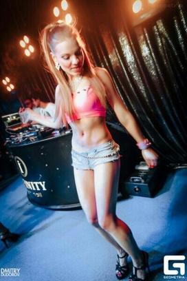 7 самых сексуальных go-go танцовщиц Оренбурга