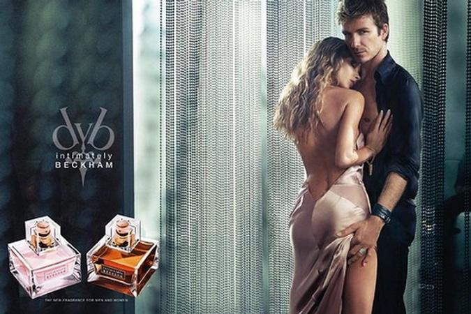 Рекламная кампания аромата Intimately