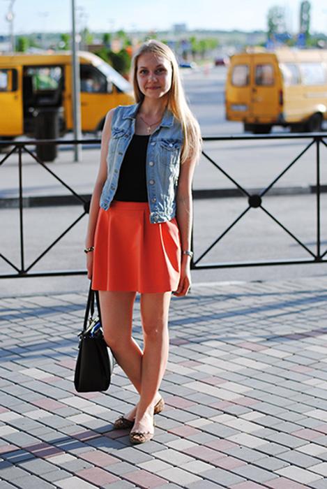Фото девочки в коротких юбках раздвигают ножки фото 660-268